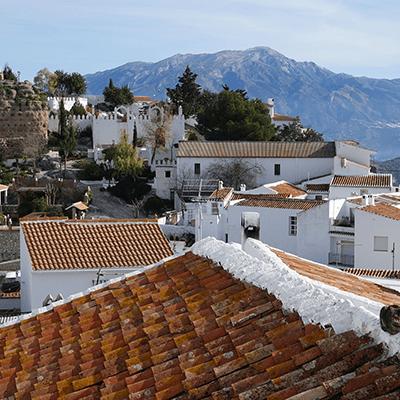 Town and Mountains | La Zahurda